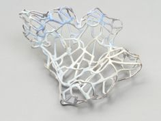 "Picture of ""Brooch II"", a jewellery piece by Carolina Gimeno"