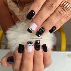 39 - We continue to offer 2019 nail designs to your appreciation - 1 Races continue in nail designs and creativity. We don't know what design we like . Sparkle Nails, Glam Nails, Toe Nails, Beauty Nails, Elegant Nails, Stylish Nails, Trendy Nails, Acrylic Nail Designs, Nail Art Designs