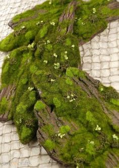 Add a stunning look to a woodland forest event decor with the Artificial Moss & Bark. This faux bark will perfectly accent your eco-friendly enchanted display. Add to a centerpiece on a long banquet table with a piece of natural grapewood. This natura Enchanted Forest Bedroom, Enchanted Forest Prom, Enchanted Forest Decorations, Enchanted Tree, Enchanted Garden, Fairy Bedroom, Woodsy Bedroom, Forest Room, Save On Crafts