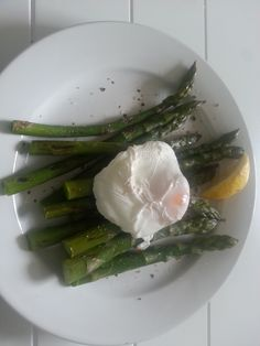 So much asparagus, so little time. Fab Fast Day lunch. Under 130 cals.