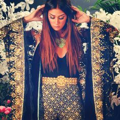 muhra. Arabian Khaleejy style. Bis get. Abaya. Black and gold