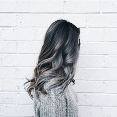 Image discovered by °ʚ(*´꒳`*)ɞ°. Find images and videos about hair, hairstyle and grey on We Heart It - the app to get lost in what you love. Hair Inspo, Hair Inspiration, Trends 2016, Hair Locks, Good Hair Day, Dream Hair, Messy Hairstyles, Unique Hairstyles, Beautiful Hairstyles