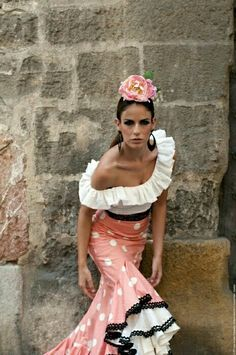 Lovely coral and white flamenco outfit trimmed in black =》Impulso de Susana Pages Flamenco Party, Flamenco Costume, Dance Costumes, Flamenco Dresses, Fashion Wear, Fashion Outfits, Dress Skirt, Dress Up, Tutu