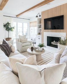 Home Decor Inspiration, Room, Farm House Living Room, Room Design, Home, House Interior, Living Room Inspiration, Interior Design, Home And Living