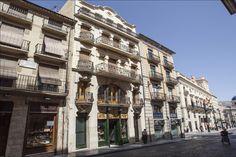 La vivienda Sant Nicolau nº 4, fue reedificada en 1910 por Vicente Pascual, la casa es un edificio entre medianeras, de planta baja y cuatro alturas. #Alcoy #Alcoi Ruta Europea del #Modernismo