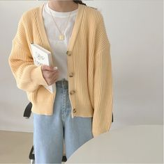Cute Casual Outfits, Retro Outfits, Girl Outfits, Fashion Outfits, Style Fashion, Yellow Cardigan Outfits, Jugend Mode Outfits, Korean Girl Fashion, Korean Outfits