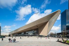 The new Central Station of Rotterdam, Rotterdam Centraal, is re-anchored in the city centre and integrated in the European network of transport hubs. A Grand...
