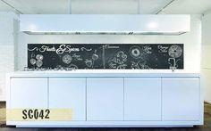 Stanchi delle solite piastrelle? Creativespace ha la soluzione che fa per voi: gli innovativi schienali in policarbonato compatto da posizionare tra le basi ed i pensili della vostra cucina. #Creativespace #Schienali #Cucina #Policarbonato #Design #InteriorDesign #Arredamento