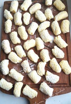 Najbolji domaći njoki | Mama, ja sam gladan Kiflice Recipe, Croatian Recipes, Cake Recipes, Cooking Recipes, Cookies, Breakfast, Desserts, Food, Hair Cuts