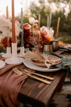 This Saguaro National Park East Wedding Inspo Features All the Colors of the Desert Sunset - Junebug Weddings Sunset Wedding, Boho Wedding, Elopement Wedding, French Wedding, Wedding Pins, Nautical Wedding, Wedding Shoot, Wedding Makeup, Wedding Flowers