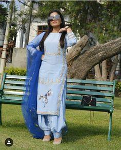 Punjabi Suits Party Wear, Party Wear Indian Dresses, Designer Party Wear Dresses, Indian Fashion Dresses, Punjabi Suits Designer Boutique, Indian Designer Suits, Patiala Suit Designs, Kurti Designs Party Wear, Stylish Dress Designs