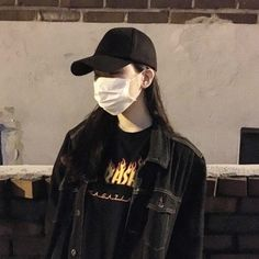 The Best Examples for Korean Street Fashion Asian Street Style, Korean Street Fashion, Ulzzang Korean Girl, Ulzzang Couple, Girl Photo Poses, Girl Photos, Profile Pictures Instagram, Mask Girl, Uzzlang Girl