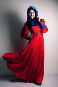 Red Hijab-Styles and Combination Ideas Hajib Fashion, High Fashion Outfits, Modest Fashion, Red Outfits, Abaya Fashion, Unique Fashion, Fashion Trends, Muslim Women Fashion, Islamic Fashion