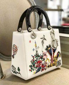 Style World: Lady Dior Handbags 2019 Dior Handbags, Fashion Handbags, Purses And Handbags, Fashion Bags, Cheap Handbags, Brown Handbags, Summer Handbags, Fabric Handbags, Wholesale Handbags