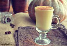 Pumpkin spice latte. Dyniowa kawa z mlekiem kokosowym i przyprawami korzennymi