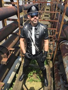 Leather Men, Leather Boots, Hottest Pic, Hairy Men, Men Dress, Muscles, Gay, Germany, Action