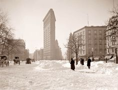 Flatiron Building New York City Winter Snow Scene from 1905 Photo Snowy Victorian Edwardian Vintage 1900 Black and White Photography Print. More vintage scenes of New York City are available here: Flatiron Building, Photo New York, New York Photos, Vintage New York, Old Pictures, Old Photos, Rare Photos, Vintage Photographs, Vintage Photos