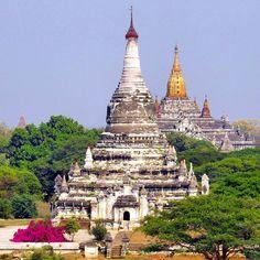 Beautiful Bagan temples Quelques beaux temples de Bagan Myanmar. #windowonthetribes . . . . . . . . #bagan #inspiredtraveller #travelblogger #Myanmar #burma #birmanie #asie #asia #wearetravelgirls #iamatraveler #travelblog #pagan #temple #pagodes #pagoda #tripplanner #storytelling #unesco