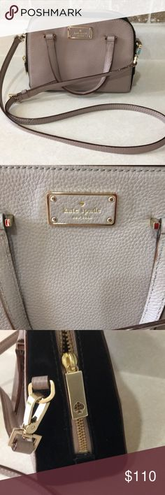NWOT Kate Spade crossbody NWOT Kate Spade Small crossbody. Beige color with no markings or stains. Adjustable strap. Closed zipper that works perfectly. kate spade Bags