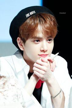Younghoon the boyz Fandom, All About Kpop, Drama, Flower Boys, Asian Boys, Kpop Groups, Jaehyun, K Idols, Good People