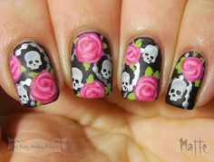 Nails of the Day: Skulls and roses