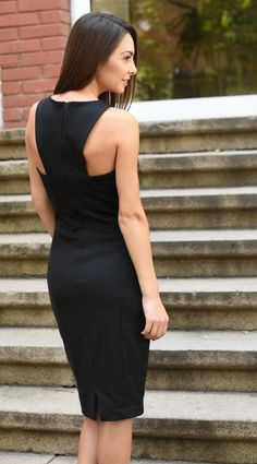 Елегантна черна рокля • Topmoda.bg