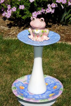 Garden Art and Totem Sculpture.  Whimsical piece made by Glass Blooms. www.glassblooms.etsy.com