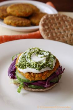 Looking for a tasty vegetarian burger recipe ? Look no further: This Chickpea Carrot Burger with Peanut Cilantro Pesto delivers on every level. Best Veggie Burger, Chickpea Burger, Crockpot, Spicy Carrots, Creamed Cucumbers, Beste Burger, Cilantro Pesto, Peanut Recipes, Pasta