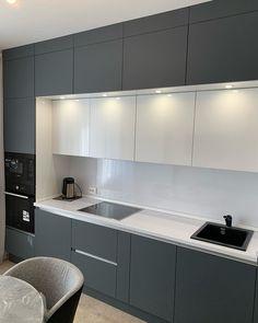 Kitchen Cupboard Designs, Kitchen Tiles Design, Contemporary Kitchen Design, Kitchen Layout Interior, Home Decor Kitchen, Open Plan Kitchen Living Room, Small Apartment Kitchen, Cuisines Design, Küchen Design