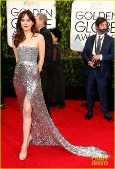 Dakota Johnson Trades 'Grey' for Silver at Golden Globes 2015 in Chanel Couture