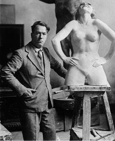 Guido Calori nel suo studio, 1932