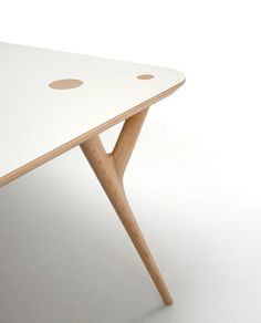 inoda + sveje: crys table