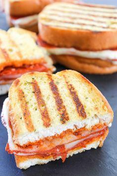 Pepperoni Pizza Grilled Cheese -  All the flavors of pizza in a SUPER easy to make grilled cheese sandwich. Tons of spicy pepperoni and gooey cheese make this an irresistible lunch or dinner!