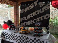 Fast and Furious table Fast And Furious Party, Two Fast Two Furious, Fast And Furious Birthday, Birthday Themes For Boys, Birthday Ideas, Race Car Party, 10th Birthday, Party Planning, Party Time