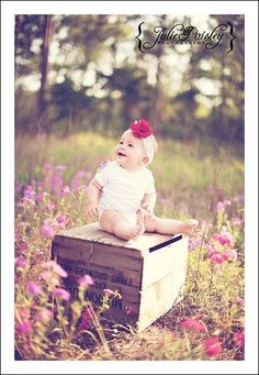 sweet location for baby Newborn Pictures, Baby Pictures, Baby Photos, Cute Pictures, Cute Kids Photography, Photography Props, Maternity Photography, Baby Crows, Outdoor Family Photos