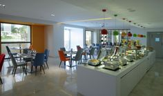 All day dining, food counter in solid surface, Hawthorn Suites by Wyndham