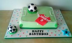 Football pitch Football Pitch Cake, Football Cakes, Boat Cake, Cake Ideas, Happy Birthday, Football Field Cake, Soccer Cakes, Happy Brithday, Urari La Multi Ani