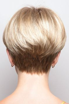 Sport this stylized, retro bowl cut wig with a chic modern twist. Cap Size: AverageLength: Fringe Crown Nape oz Color Shown: Creamy Toffee-R, Marble Brown-R Colors… Latest Short Hairstyles, Short Pixie Haircuts, Straight Hairstyles, Hairstyles 2016, Model Hairstyles, Wedge Hairstyles, Teenage Hairstyles, Blonde Hairstyles, Layered Hairstyles