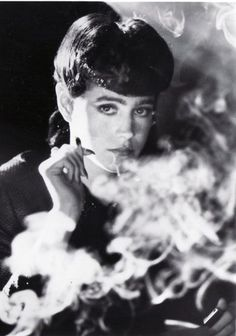 Sean Young as Rachael in Blade Runner - blade-runner Photo