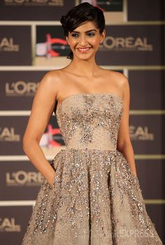 Golden girl Sonam Kapoor gears up for Cannes 2014 Indian Bollywood Actress, Bollywood Fashion, Indian Actresses, Bollywood News, Indian Celebrities, Bollywood Celebrities, Cannes Film Festival 2014, Sonam Kapoor, L'oréal Paris