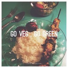"""""""#vegan #vegetarian #vegetarisch #Essen #Vegetarier #iranisch #Kebab #rice #Reis #Tomate #yum #aleph #alephcorporation"""""""