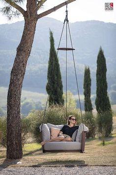 Design Schaukel Garten Baum – genießen im Freien. Schaukel aus Edelstahl in vielen schönen Farben mit hochwertiger Polsterung. Design Schaukel im Freien für Erwachsenen und Kinder. #gartenmoebel, #schaukelgarten, #RiesProDesign Lounge Design, Outdoor Spaces, Outdoor Living, Porch Swing, Outdoor Furniture, Outdoor Decor, Designer, Inspiration