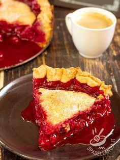 Come resistere al gustosissimo invito della torta Cherry pie? Ciliege a più non posso per un dolce che non vi farà certo sfigurare con gli invitati!