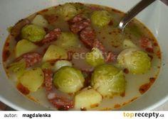 Polévka z růžičkové kapusty s klobásou recept - TopRecepty.cz Czech Recipes, Ethnic Recipes, Sprouts, Potato Salad, Potatoes, Vegetables, Food, Potato, Veggie Food