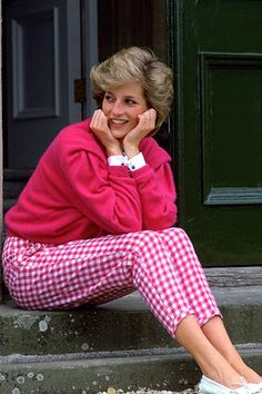 Celebrity moms diana outfits lady di, lady di wallpaper, lady d& Princess Diana Quotes, Princess Diana Jewelry, Princess Diana Wedding, Princess Diana Death, Princess Diana Fashion, Princess Outfits, Princess Diana Niece, Funny Princess, Princess Style