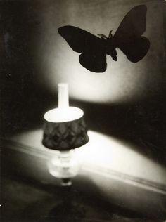 Brassaï (1932). This look so modern!