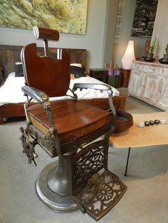 Barber chair in metal and wood