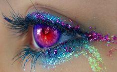 pretty colorful eye make up with glitter Pretty Eyes, Cool Eyes, Beautiful Eyes, Simply Beautiful, Absolutely Stunning, Mehndi Designs, Makeup Art, Beauty Makeup, Makeup Ideas