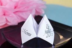 Réalisez très facilement un menu original en forme de cocotte en papier. Retour en enfance garanti !   #Menu #Tuto #DIY #Origami #Cocotte