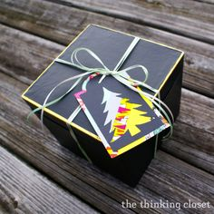 Christmas Gift Tags with Washi Tape! {Free cut file included.} Via thinkingcloset.com